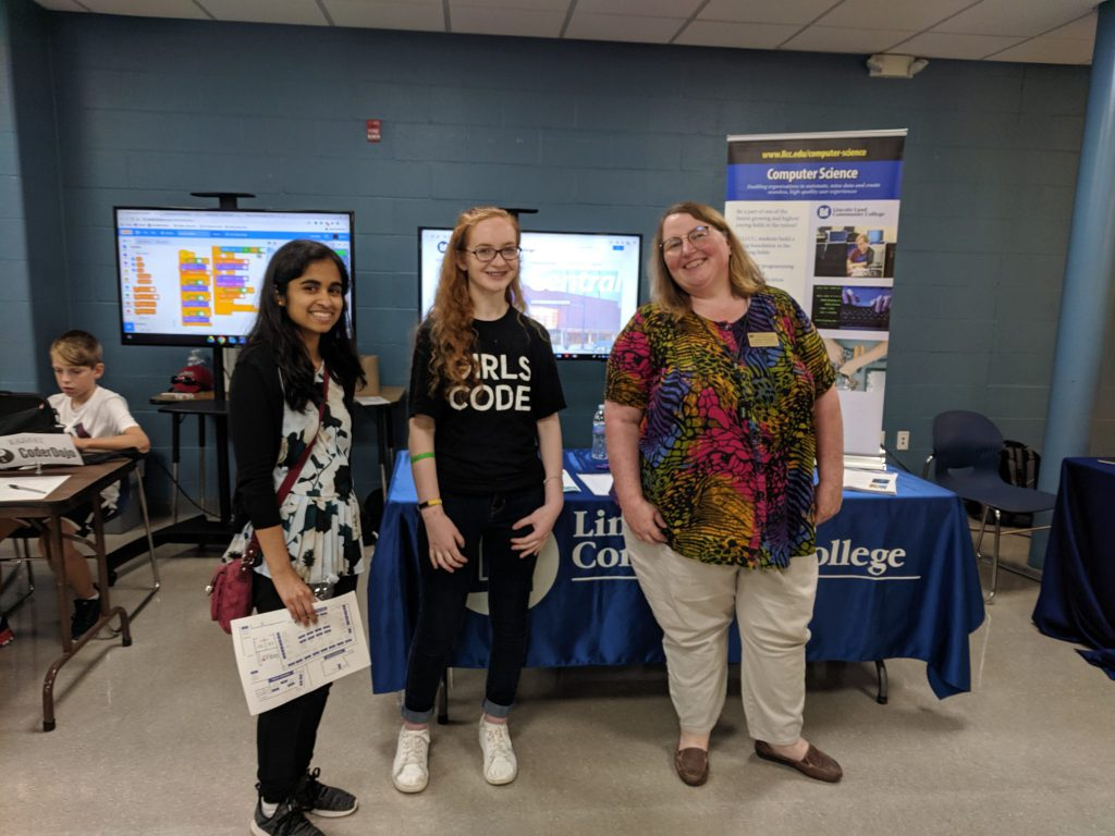 Picture of LLCC CSA members at the Rochester Career Fair