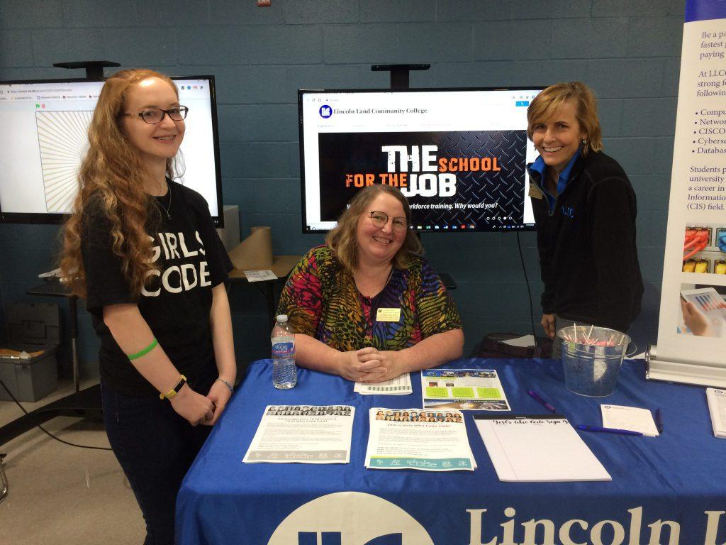 Hannah Travis, Co-Advisor Caughey, and C0-Advisor Allen at the LLCC Computer Science booth